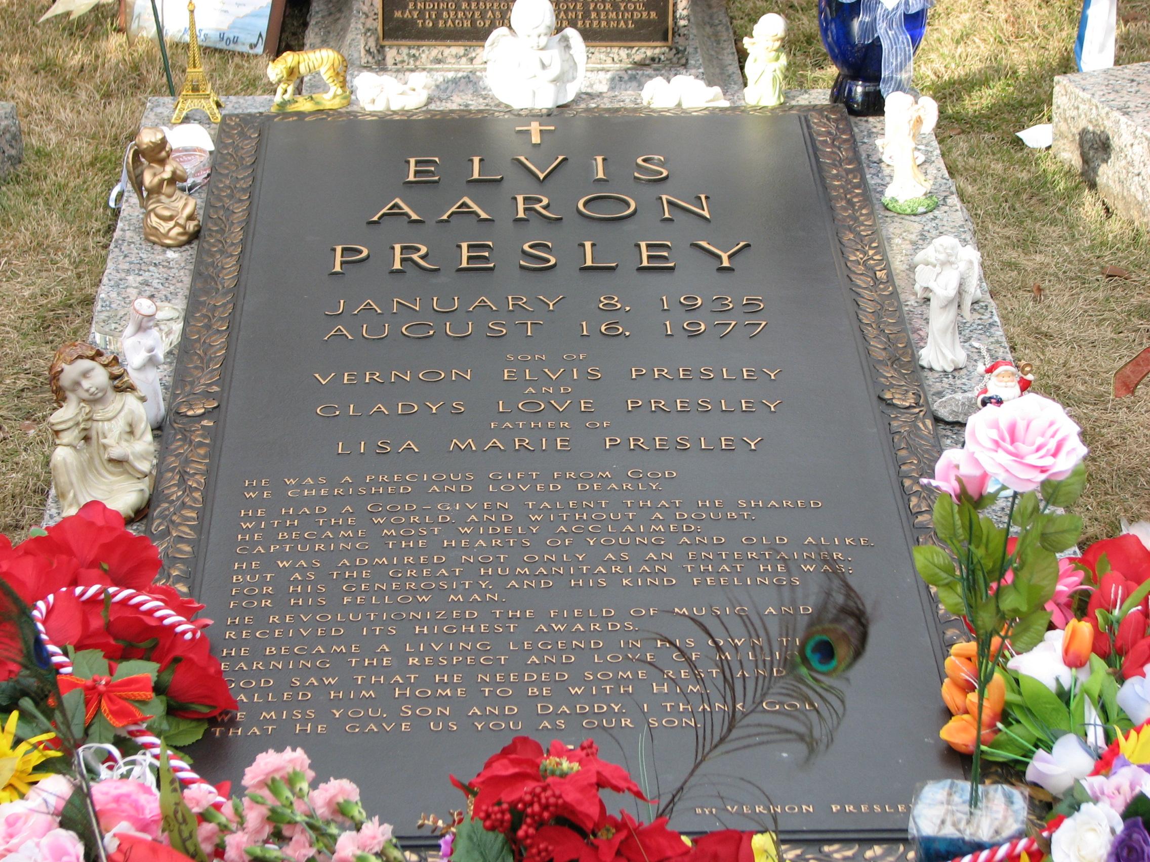 Elvis' gravesite in Memphis.
