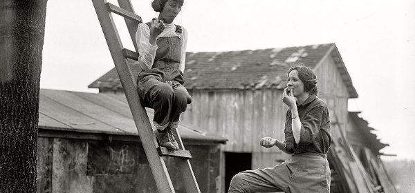 War gardeners near Washington, D.C. 1918. Harris & Ewing photo, Library of Congress