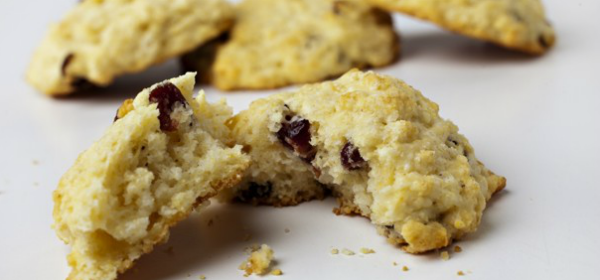 cornmeal cranberry biscuits2