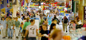 xmas-shopping-crowds