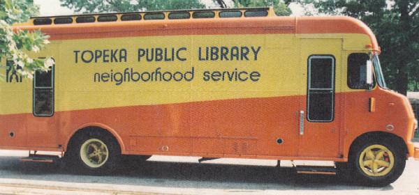 pixlr Bookmobile 1980s (5)