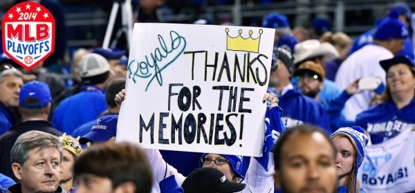 royals-fans-thanks-for-the-memories-sign-tri