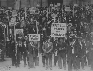 Kansas G.A.R. members at the dedication of Memorial Hall, May 27, 1914.