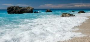 1280px-20100726_Kalamitsi_Beach_Ionian_Sea_Lefkada_island_Greece1