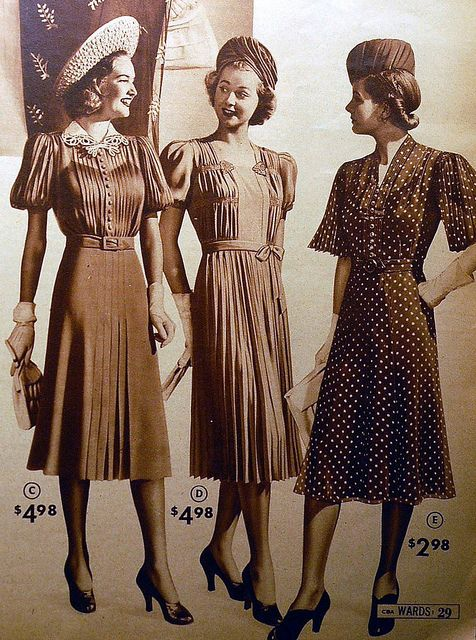 Women's fashion in the 1939 Montgomery Ward catalogue.