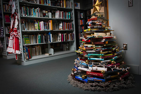 booktique tree full