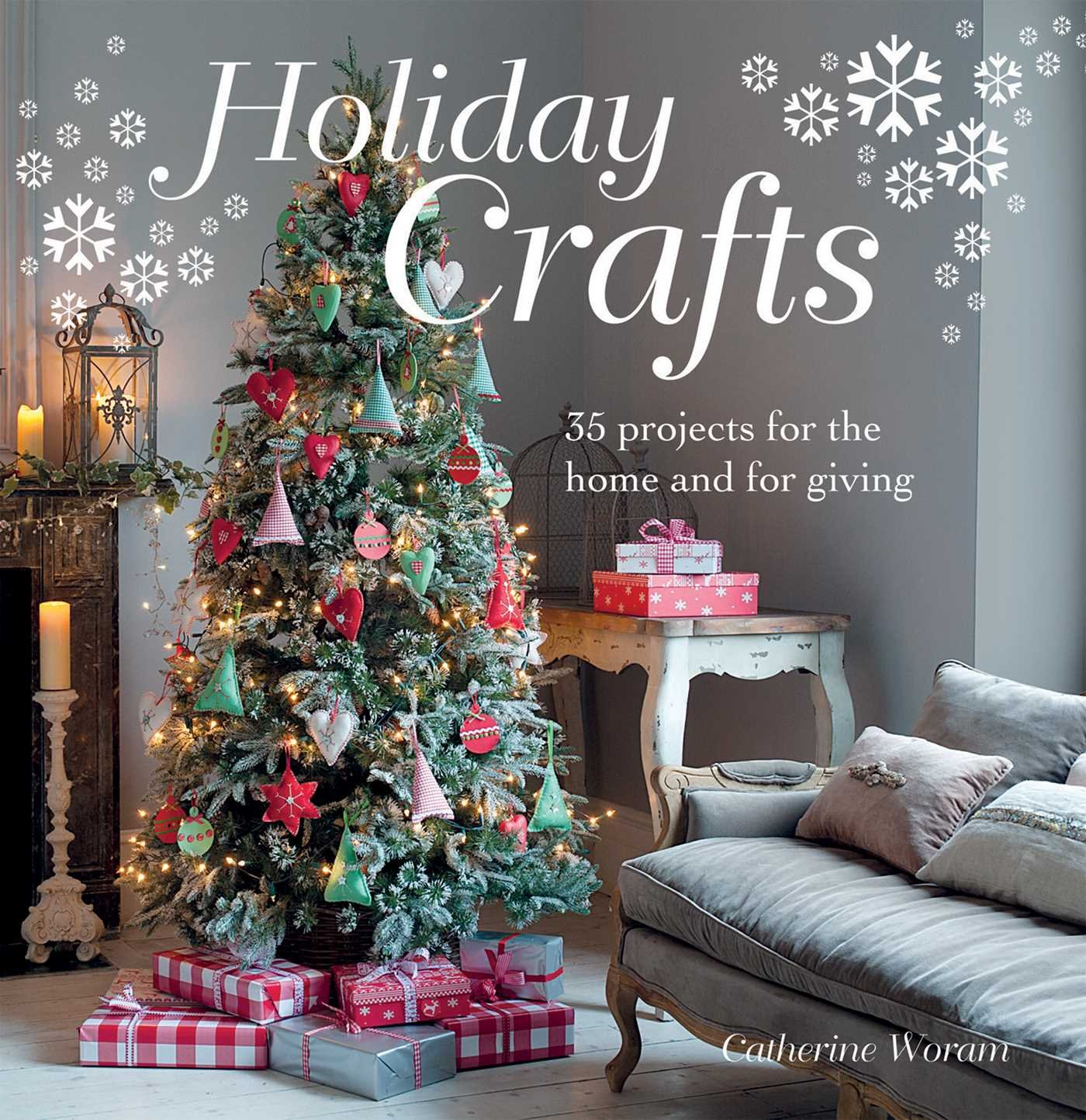 Book cover Holiday crafts - Christmas tree with homemade ornaments
