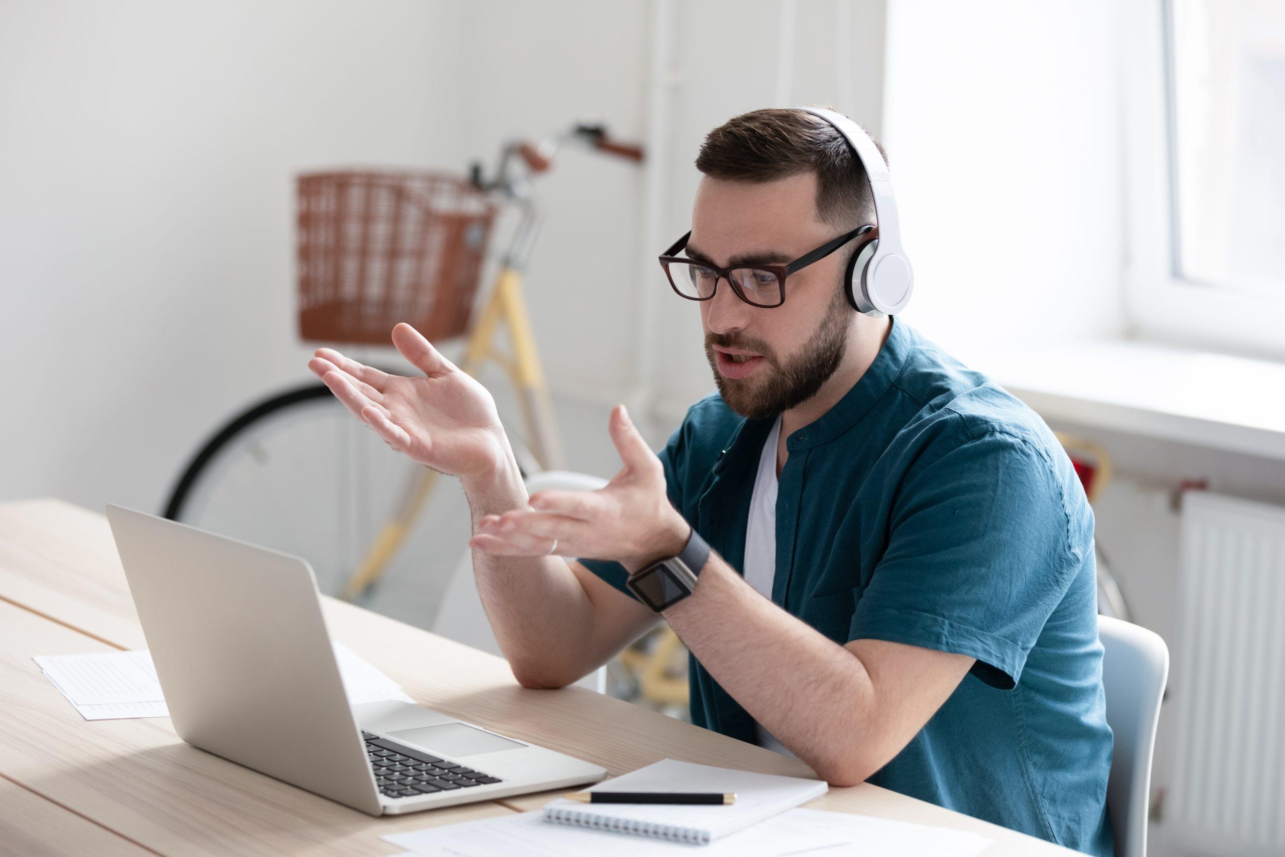 Virtual video conversation