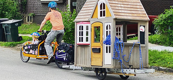 moving a playhouse by cargo bike